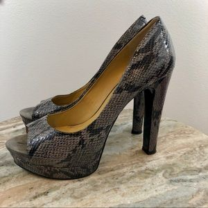 Nine West Cordy Snakeskin Heels size 8.5